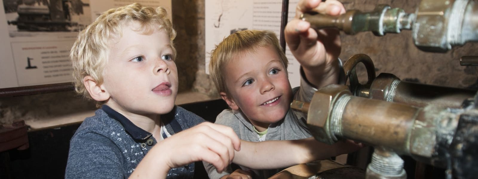boys in the discovery centre
